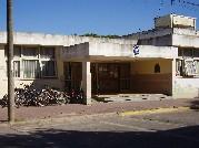 Biblioteca del Instituto de Formación Docente y Técnica Nº 2 de Azul, provincia de Buenos Aires,  Argentina. Colón 498 (7300). Tel. 02281-422468.
